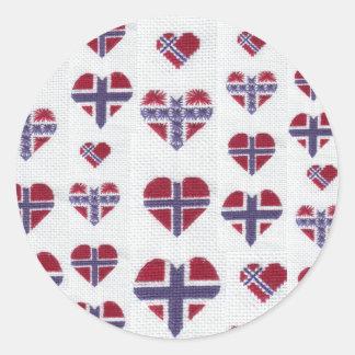 Den norska flaggahjärtakor syr den nordiska norgen runt klistermärke