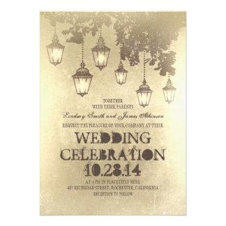 Den nyckfulla hängande lampan tänder bröllopinbjud