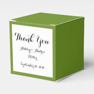 Den olivgröna gråbruna kicken avslutar märkes- presentaskar