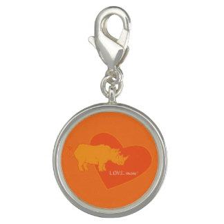 Den orange noshörningen L.O.V.E. Mer charmar Charm