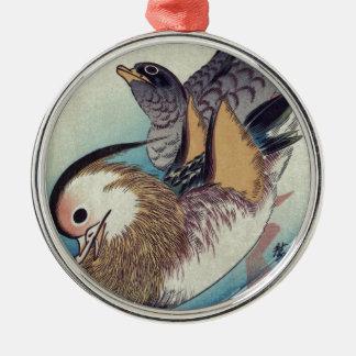 Den Oshidori mandarinen duckar vid Ando Hiroshige Julgransprydnad Metall