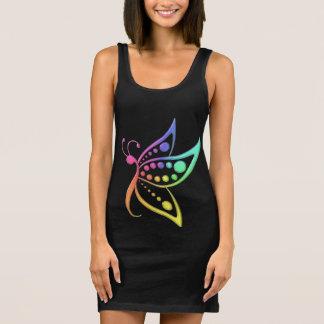 Den pastellfärgade regnbågefjärilen pricker t-shirts