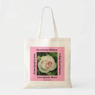 Den poetiska handväskan steg på rosor vid den Lade Tygkasse