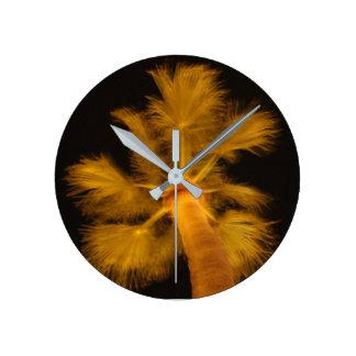 Den Psychedelic palmträdet tar tid på Rund Klocka