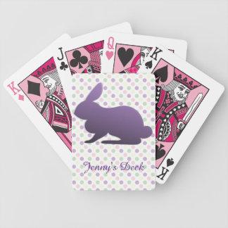 Den purpurfärgade kaninen på pastell pricker spelkort
