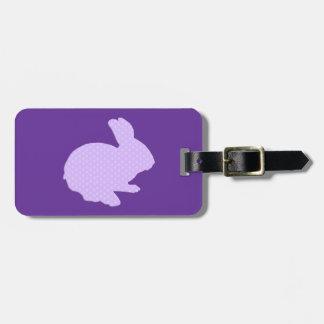 Den purpurfärgade polkaen pricker märkren för bagagebricka
