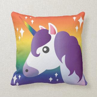 Den purpurfärgade UnicornEmoji gnistran med Kudde