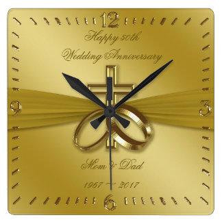 Den religiösa guld- 50th bröllopsdagen tar tid på fyrkantig klocka