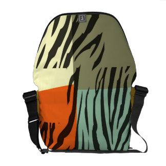 Den Retro budbärare för konst för mönstersebrapope Messenger Bag