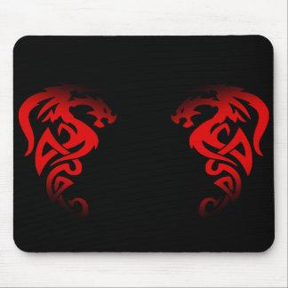 den röda dubbla drakemusen vadderar mus mattor