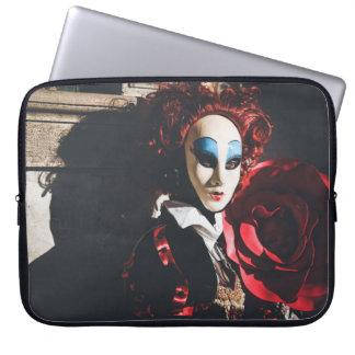 Den röda karnevalet maskerar i Venedig, italien Laptop Fodral