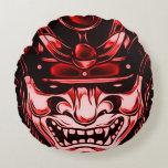 Den röda klassikerdemonsamuraien maskerar rundan rund kudde