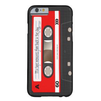 Den röda Retro kassetten tejpar kallt unikt för Barely There iPhone 6 Skal