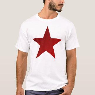 Den röda stjärnan skuggar på vit t-shirts