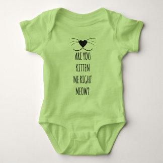 Den roliga babybodysuiten - är du kattungen som tröja