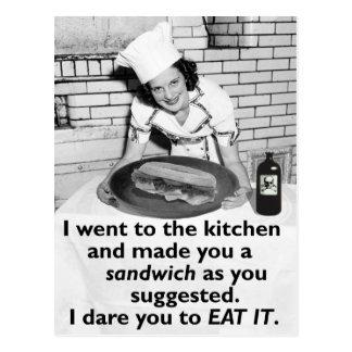 Den roliga feministen gör mig en smörgås vykort