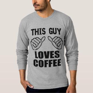 Den roliga julen denna grabb älskar kaffe tee shirts
