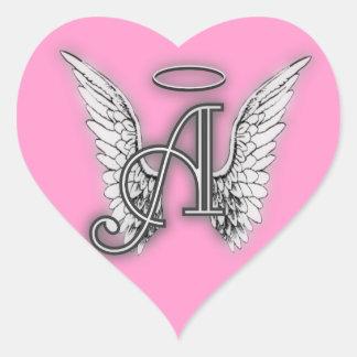 Den rosa hjärtaängeln påskyndar monogramen hjärtformat klistermärke