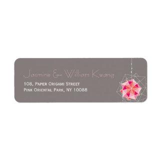 Den rosa Origami prydnaden tänder asiatisk Returadress Etikett