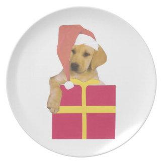 Den Santa för gult för den Labrador retrieveren ha Tallrik