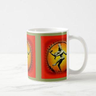 Den Shiva dansen avfyrar in vid Sharles Kaffemugg
