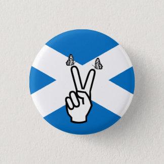 Den skotska självständighetflaggafredsteckenet mini knapp rund 3.2 cm