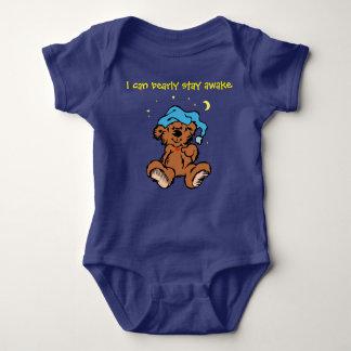 Den Sleepytime nallen kan jag det vakna Bearly Tee Shirt