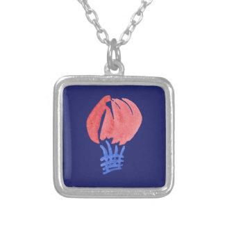 Den små luftballongen kvadrerar halsbandet halsband med fyrkantigt hängsmycke