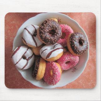 Den smaskiga frostade och strilade Donutsmusen Musmatta