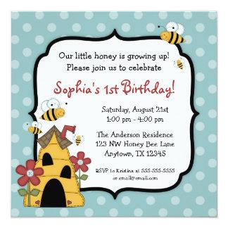 Den söta humlapolkaen pricker födelsedagsfesten fyrkantigt 13,3 cm inbjudningskort