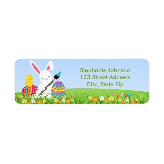 Den söta kaninen målar påskäggadressetiketten returadress etikett