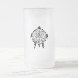 Den stam- sköldpaddan skyddar tatueringen frostad glas mugg