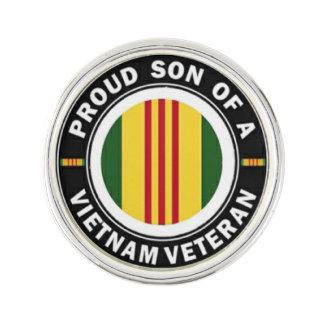 Den stolt sonen av Vietnam Vetslag klämmer fast Rockslagsnål