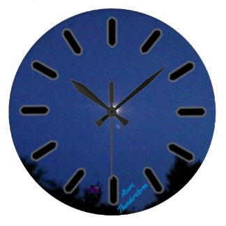Den stora rundaväggen tar tid på stor rund klocka