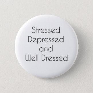 Den stressade, deprimerade och väl påklädden standard knapp rund 5.7 cm