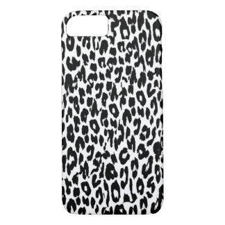 Den svart leoparden flår päls