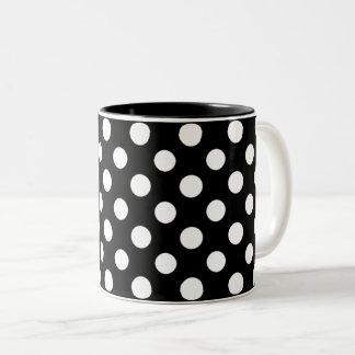 Den svartvita polkaen pricker mönster Två-Tonar Två-Tonad Mugg