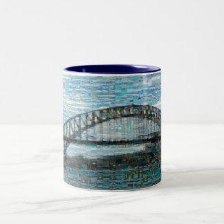 Den Sydney hamnen överbryggar muggen (mosaiken) Två-Tonad Mugg