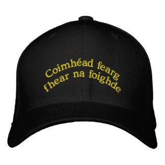 Den tålmodiga manen: Broderad hatt Broderad Keps