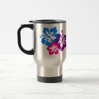 Den tropiska hibiskusen blommar i ljusa färger resemugg
