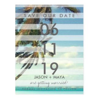 Den tropiska stranden gömma i handflatan bröllop vykort