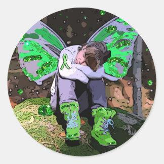 Den trött Lyme sjukdomkrigare med ängelvingar Runt Klistermärke