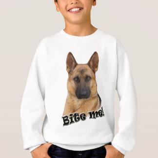 Den tyska herden biter mig designen tshirts
