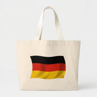 Den tysklanda flaggatotot hänger lös tygkassar