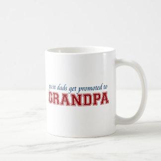 Den underbara pappor får främjad till morfadern kaffemugg