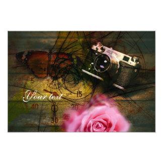 Den unika vintagekameran, tar tid på och blommar fototryck