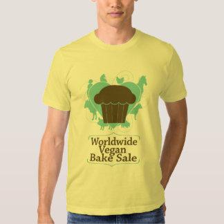 Den världsomspännande veganen bakar Saleskjortan Tee Shirt