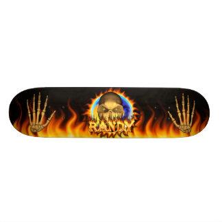 Den verkliga kåta skallen avfyrar och flammar mini skateboard bräda 18,7 cm