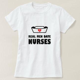 Den verkliga manar daterar sjuksköterskor tshirts