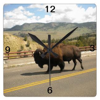 Den Yellowstone väggen tar tid på Fyrkantig Klocka